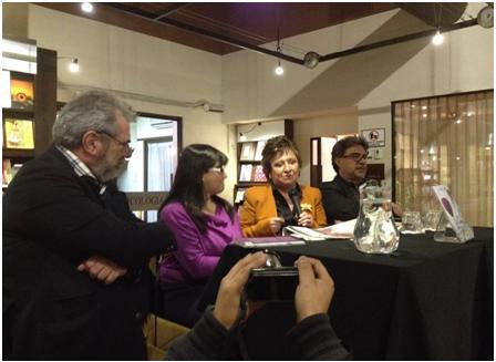 """Presentación del libro """"Lucidez de la locura"""" Relatos clínicos, el 14 de febrero de 2015 en la Librería Sophos. Comentaron el libro el periodista y escritor Luis Aceituno y la Psiquiatra Lourdes Corado."""